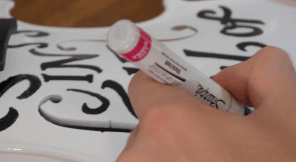 Using Markers to draw letters