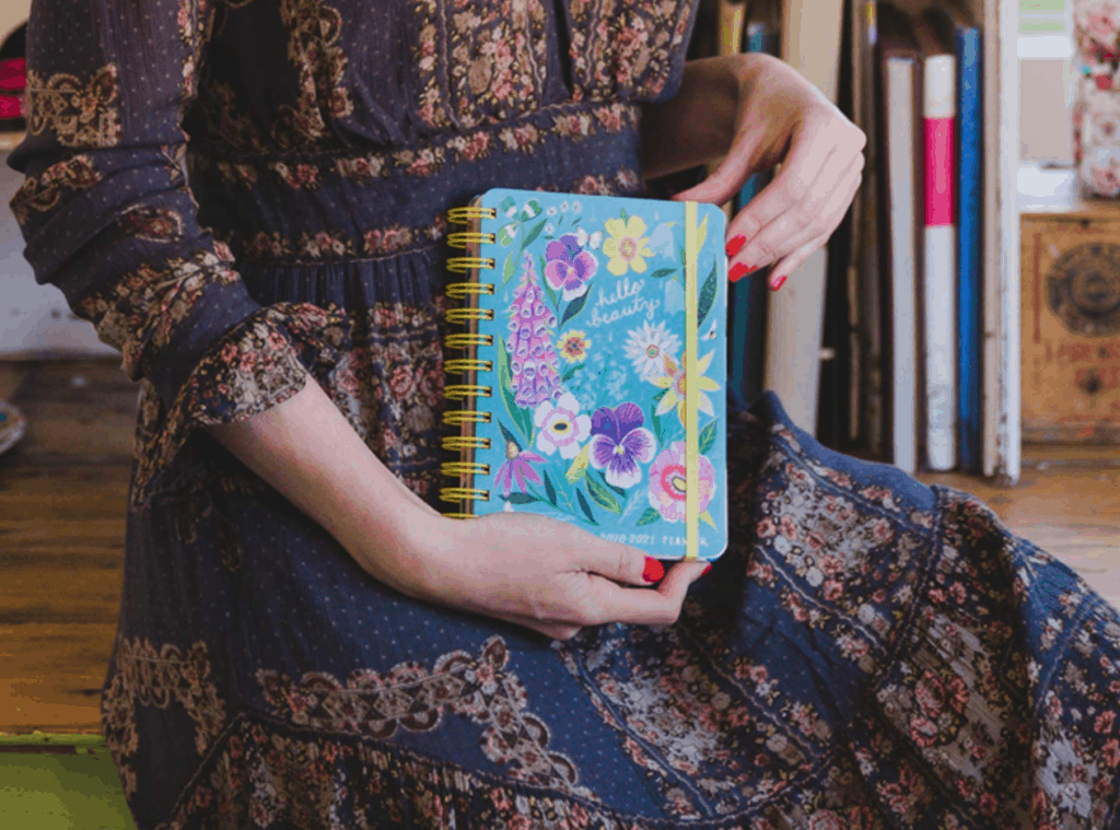This planner is so pretty to carry around.